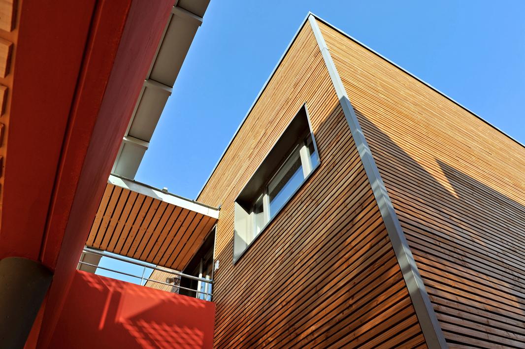 isoler sa maison bois en balle de riz cologique performant et conomique sans transition. Black Bedroom Furniture Sets. Home Design Ideas