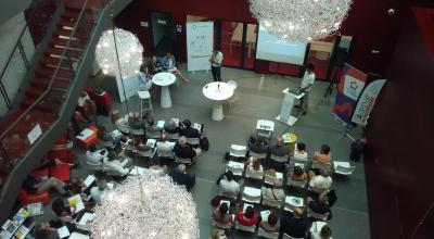 La conférence intitulée « Entreprendre pour transformer la société », où intervenait Christian Sautter, avait lieu au Pôle REALIS de Montpellier, une pépinière d'entreprises de l'économie sociale et solidaire.