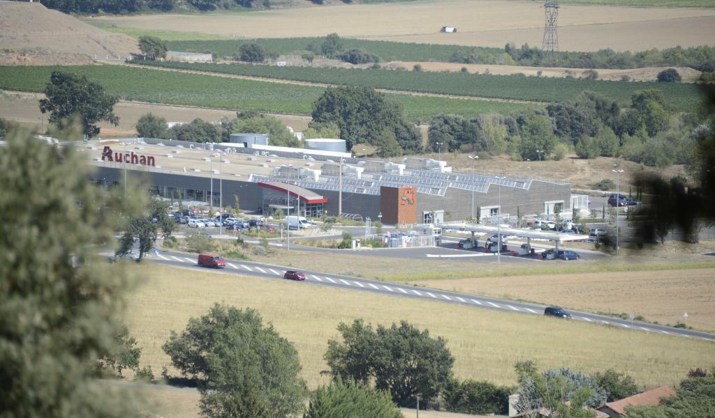 Hypermarché en périphérie de Manosque (04) - V.Delotte