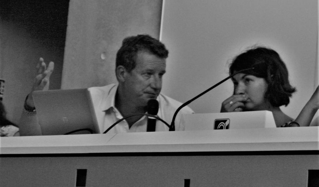 Aurélie Trouvé, porte-parole d'Attac, aux côtés de l'écologiste Yannick Jadot, le jeudi 24 août, à l'Université d'été européenne des mouvements sociaux- FD
