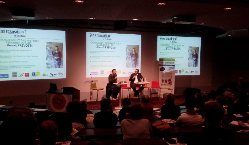 L'économiste Benoît Prévost et le directeur de publication de Sans Transition !, Julien Dézecot, à la Toulouse Business School - Crédit : VE / ST