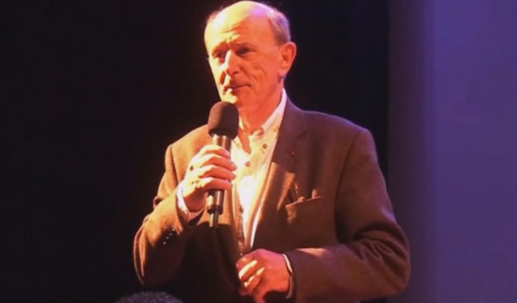 Jean-Louis Etienne au micro lors de la conférence