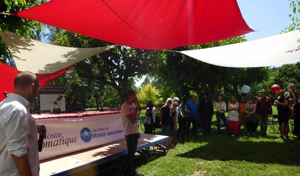 Le parc de Saint-Mitre accueillait les Rencontres Déconnomiques- crédit Célia Pousset