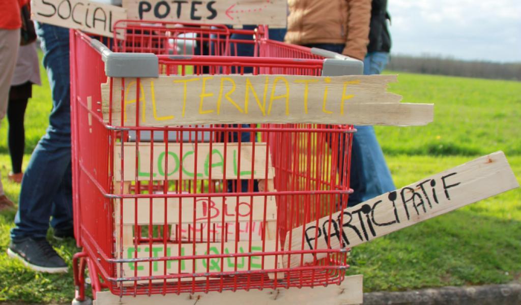 À Rennes, le collectif Breizh'i Potes prépare l'ouverture de leur supermarché coopératif ! Crédits : Breizh'i Potes