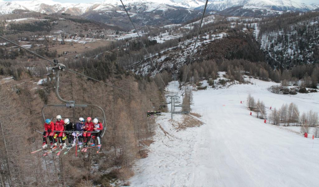 Début janvier à Valberg. Sans neige artificielle, le domaine n'aurait pas pu ouvrir. © M. Quioc