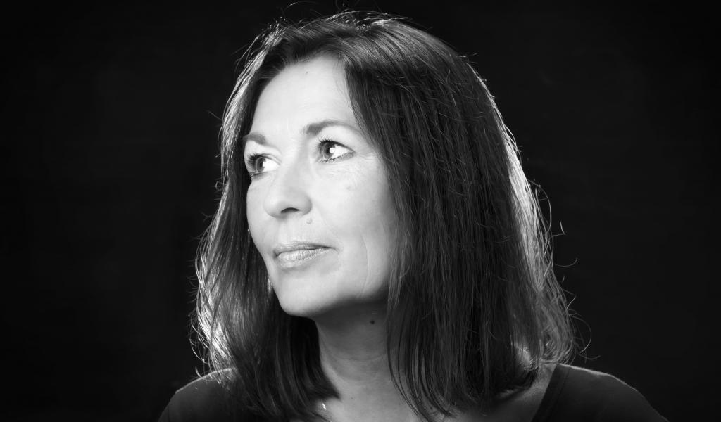 Agnès Olive a mis en pause son activité de romancière pour se concentrer sur Marseille Vert, sa société de communication destinée aux entreprises écologiques. Crédits : Vincent Bernal