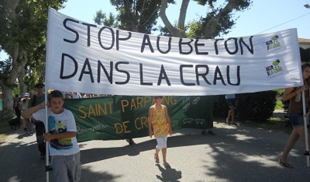 Les Bulldozers débarquent dans la Crau