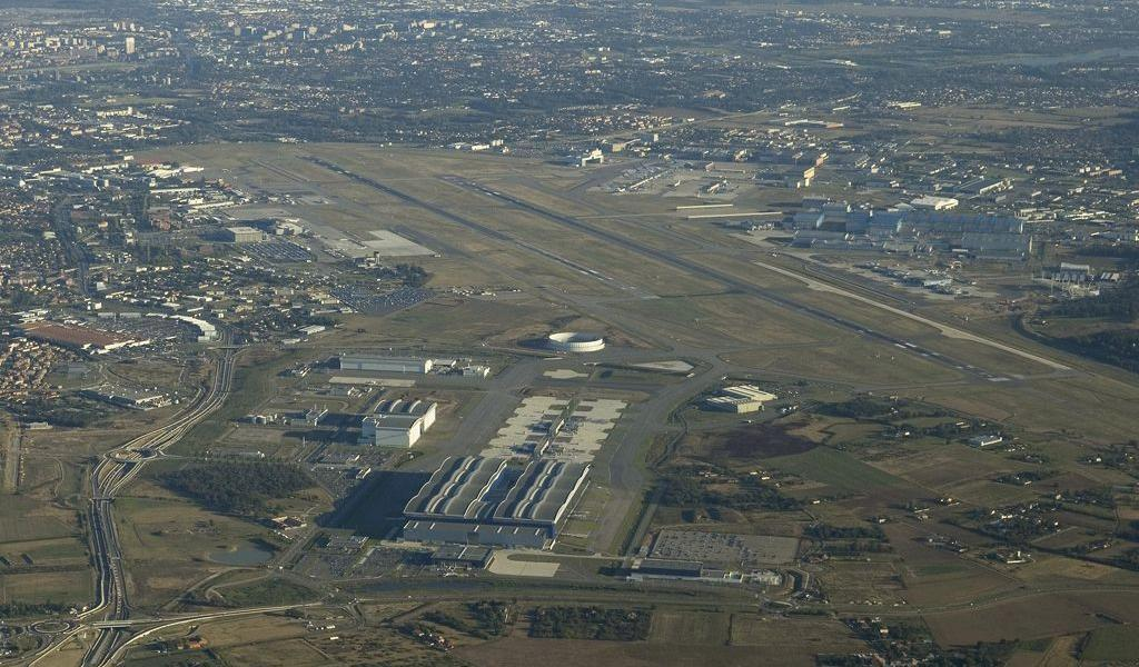 Vue de la zone aéroportuaire de Toulouse-Blagnac - Crédit : Prasetyo Muhammad ECTOR / Wikimédia Commons
